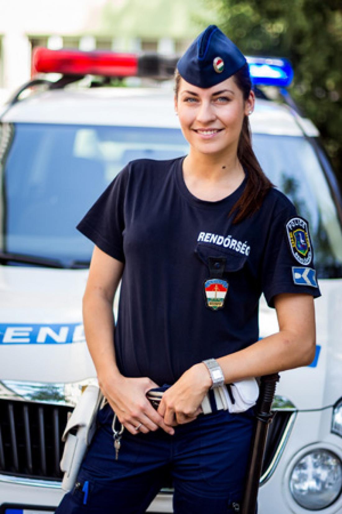Femme policière hongroise