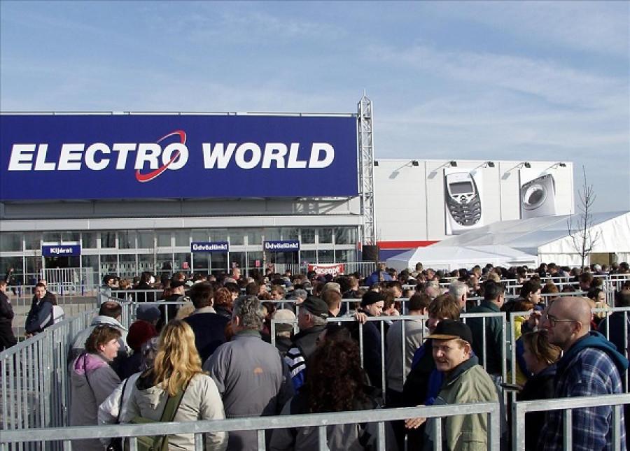 Ősemberré változtak az emberek, amikor megnyílt az Elektro World első magyar üzlete